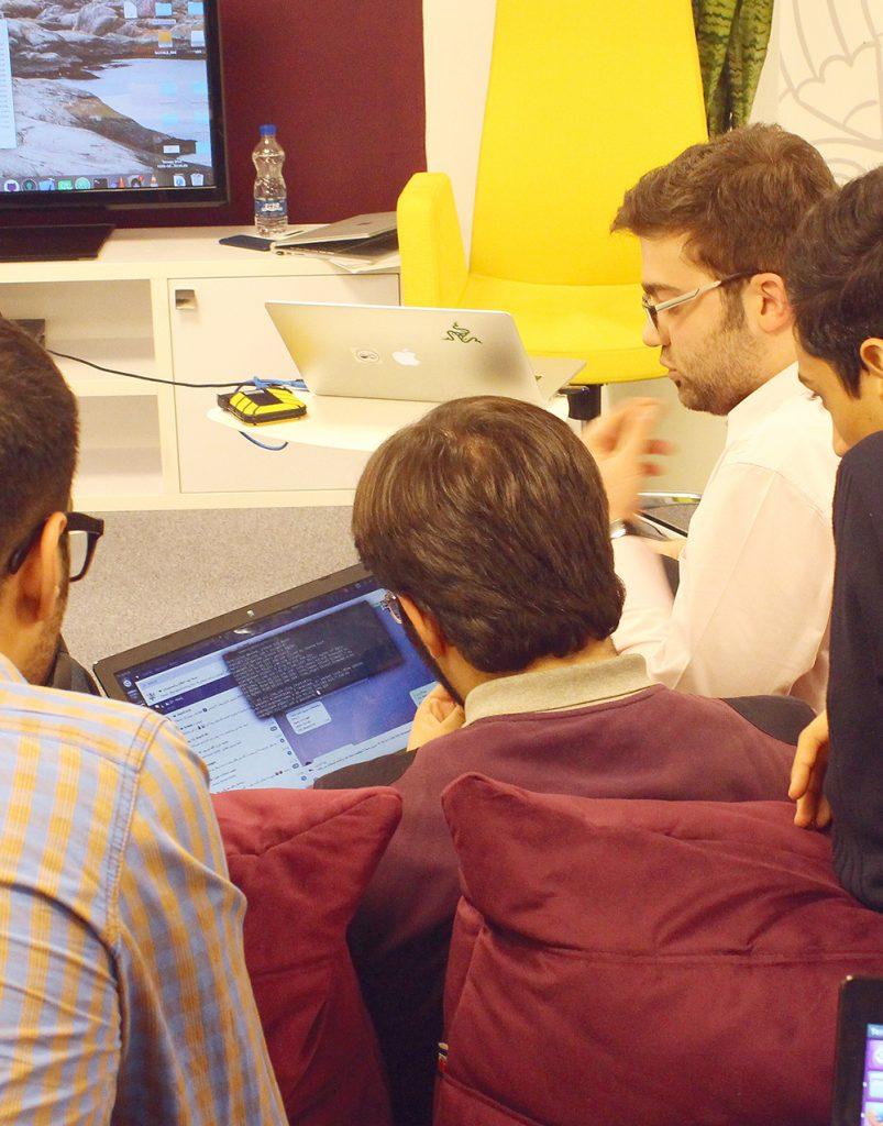دورهی آموزشی رایگان تجربه کاربری (UX) و رابط کاربری (UI) توسط رهنما کالج