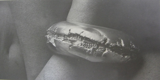 آیا طراحی جواهرات، یک مدیوم مستقل بیان هنری است؟ سیر تحول جواهرسازی از یک هنرکاربردی به یک هنرمحض در نيمه دوم قرن20
