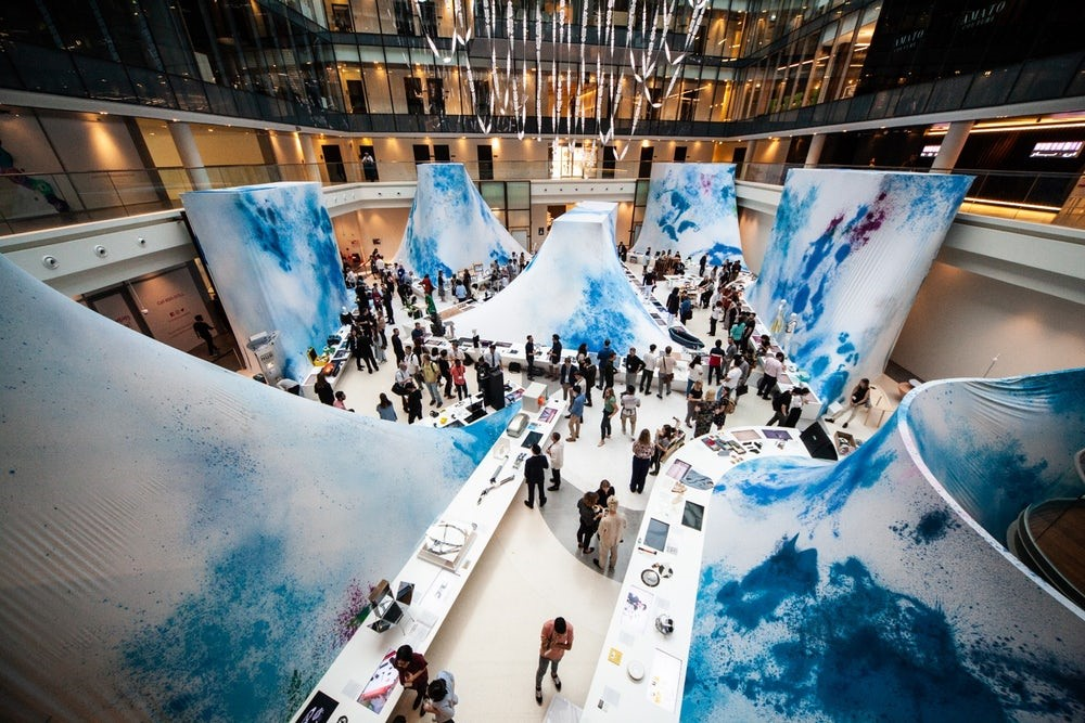 گزارش هفته طراحی دبی 2018 + آثار دانشجویان طراحی صنعتی
