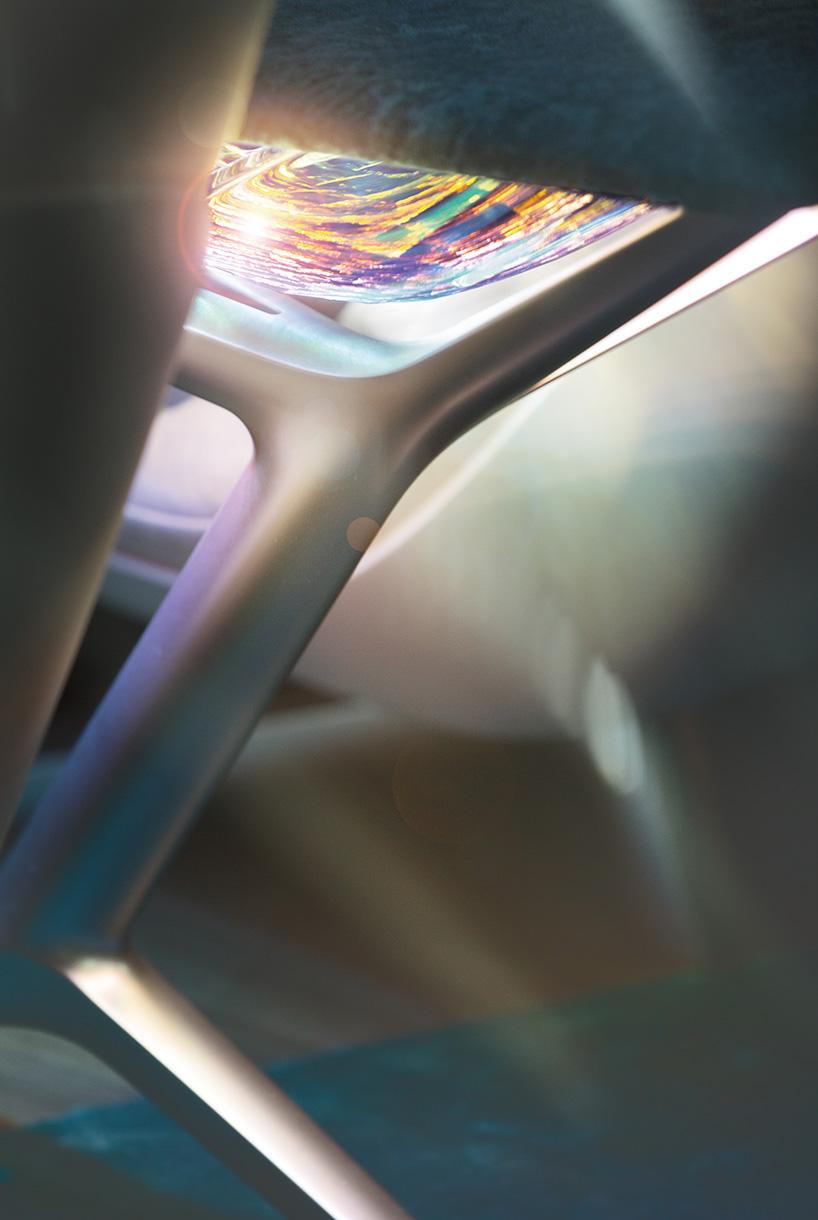 طراحی خودرو BMW vision iNEXT بیانگر آزادی رنگ در فضای مورد علاقهام است.