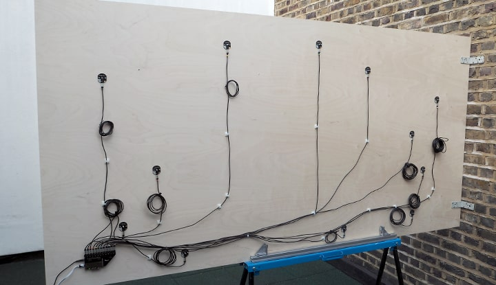 با این کیت ساده، هرکسی قادر به طراحی دیوار تعاملی است!